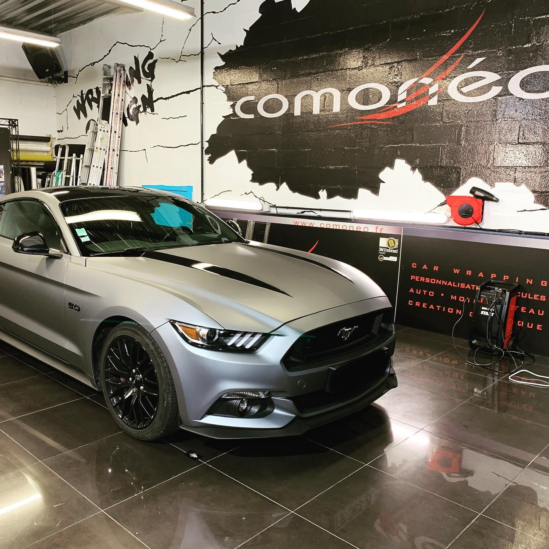 Ford Mustang gris mat